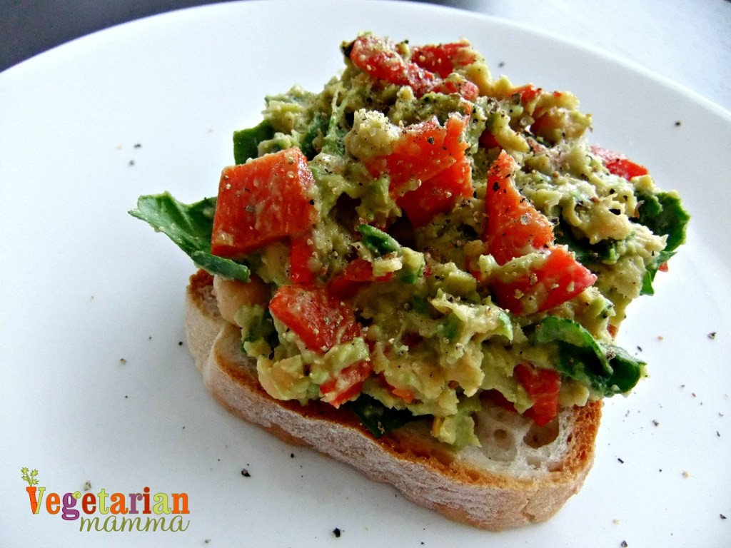 Roasted-Red-Pepper-Avocado-and-Chickpea-Sandwich-Spread-Vegan-Gluten-Free-Vegetarianmamma.com_