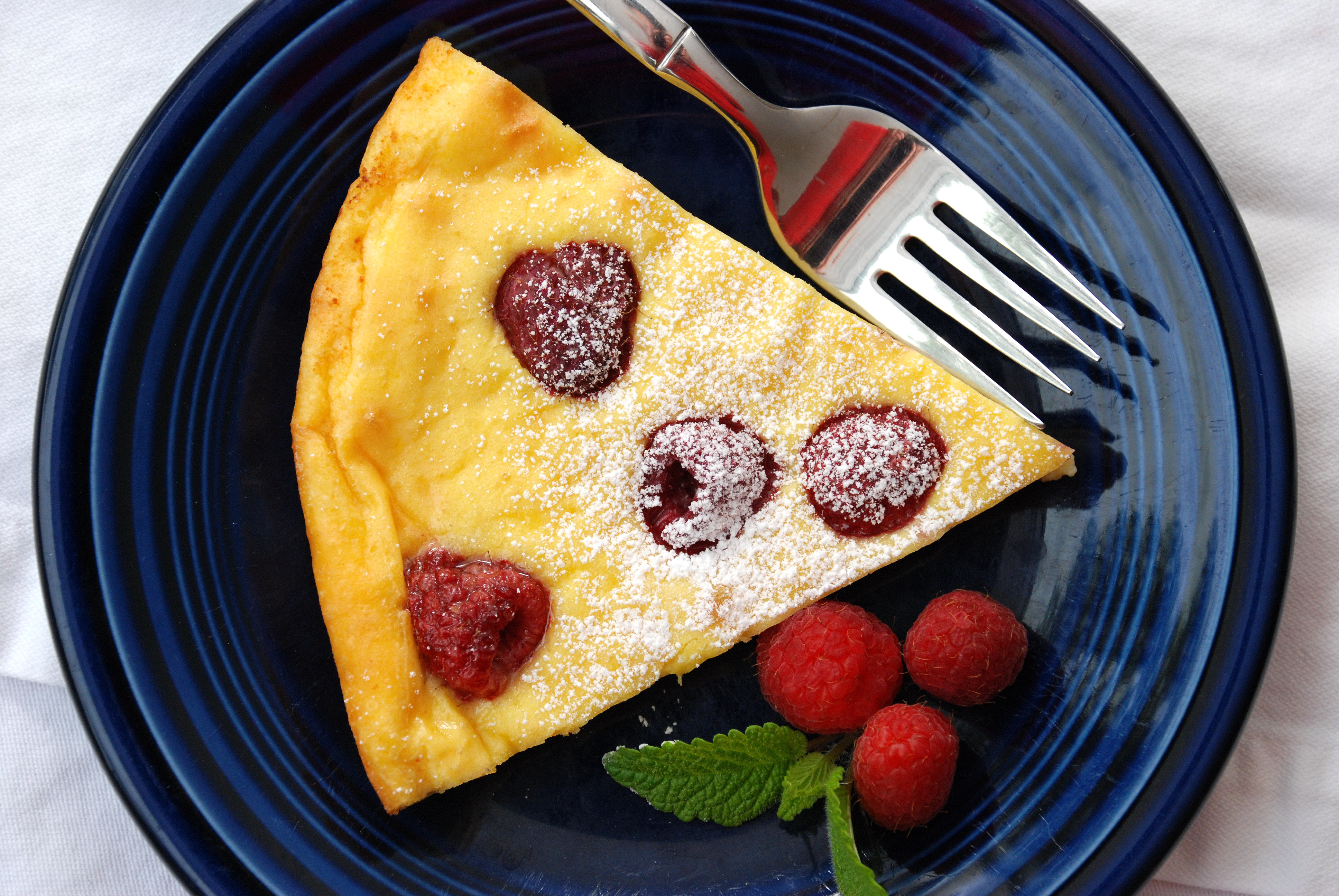 Lemon-Raspberry Dutch Baby