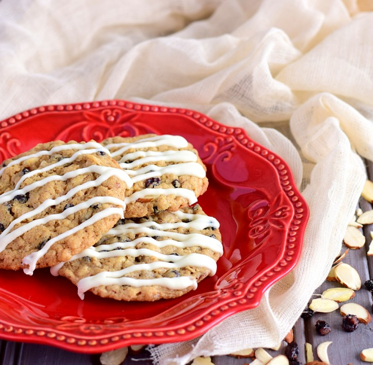 White Chocolate Drizzled Spice Amp Currant Cookies Better
