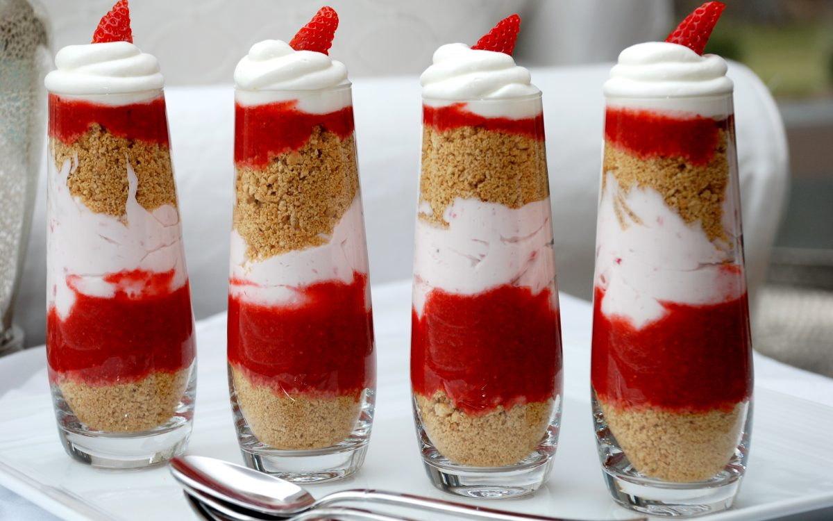 mini strawberry cheesecake trifles